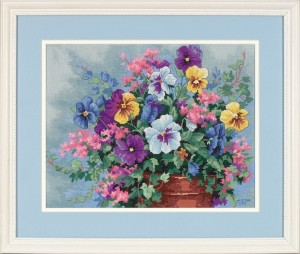 Dimensions 39019 Pansy Profusion